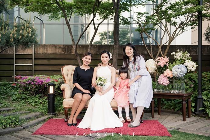 https://www.iwedding.co.kr/center/website/ihall_img/1004949904/1004949904_img_775_1_1580291472.jpg