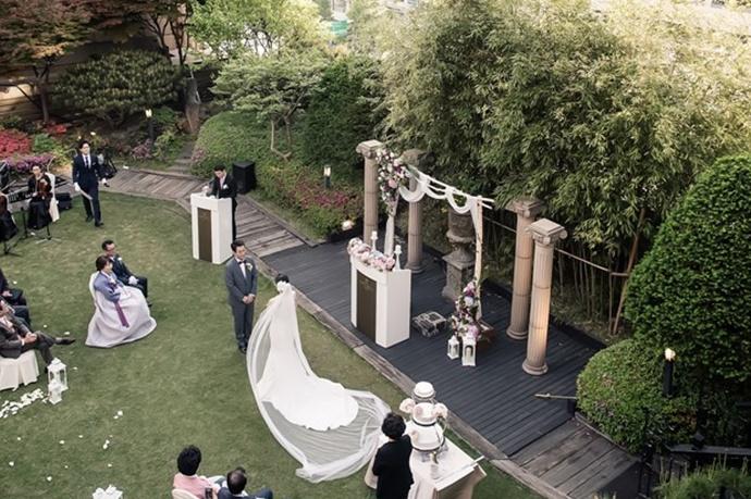 https://www.iwedding.co.kr/center/website/ihall_img/1004949904/1004949904_img_775_7_1580291473.jpg