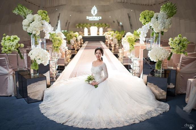 https://www.iwedding.co.kr/center/website/ihall_img/1081907037/1081907037_img_4349_10_1461311556.jpg