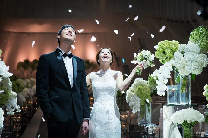 https://www.iwedding.co.kr/center/website/ihall_img/1081907037/1081907037_img_4349_6_1467180219.jpg