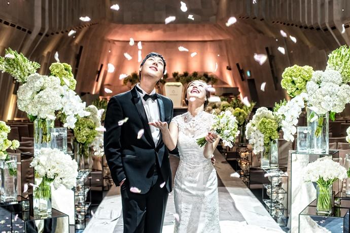 https://www.iwedding.co.kr/center/website/ihall_img/1081907037/1081907037_img_4349_7_1467180219.jpg