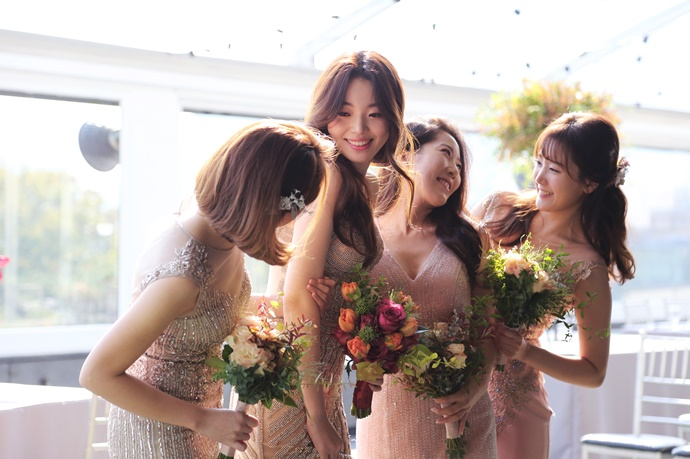 https://www.iwedding.co.kr/center/website/ihall_img/1081913272/1081913272_img_848_18_1513130369.jpg