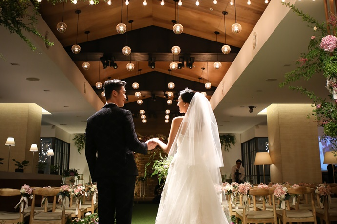 http://www.iwedding.co.kr/center/website/ihall_img/1190969152/1190969152_img_4384_10_1531385293.jpg
