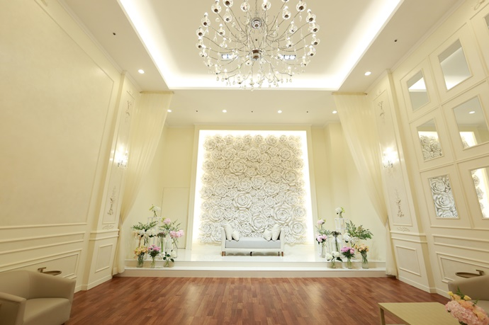 //www.iwedding.co.kr/center/website/ihall_img/1219043120/1219043120_img_1885_2_1531460047.jpg