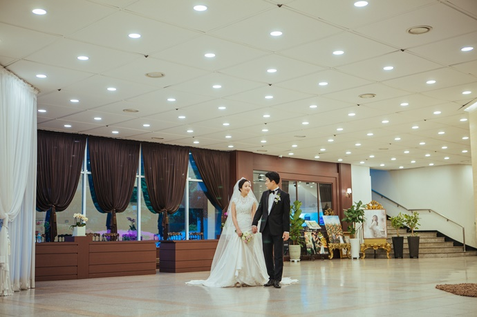 //www.iwedding.co.kr/center/website/ihall_img/1220319742/1220319742_img_738_0_1560764011.jpg