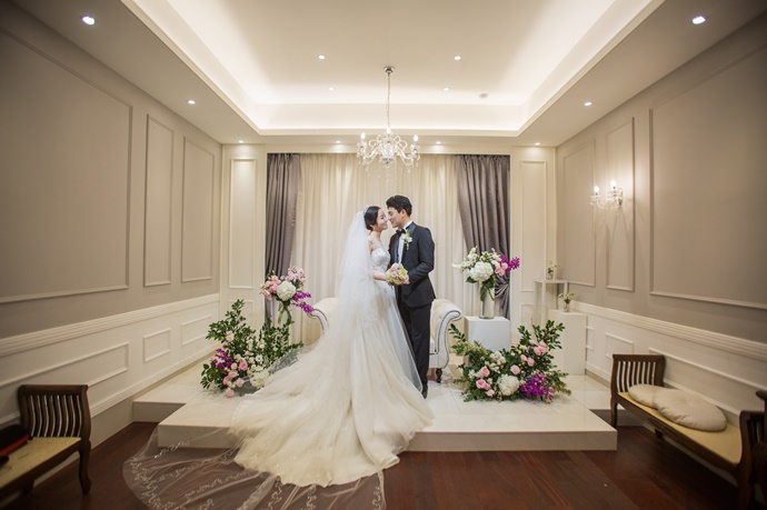//www.iwedding.co.kr/center/website/ihall_img/1220319742/1220319742_img_739_0_1560763991.jpg