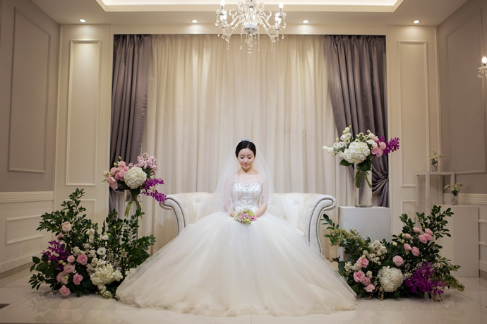 https://www.iwedding.co.kr/center/website/ihall_img/1220319742/1220319742_img_739_1_1560763991.jpg