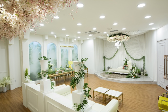 https://www.iwedding.co.kr/center/website/ihall_img/1238036340/1238036340_img_1003_0_1543471868.jpg