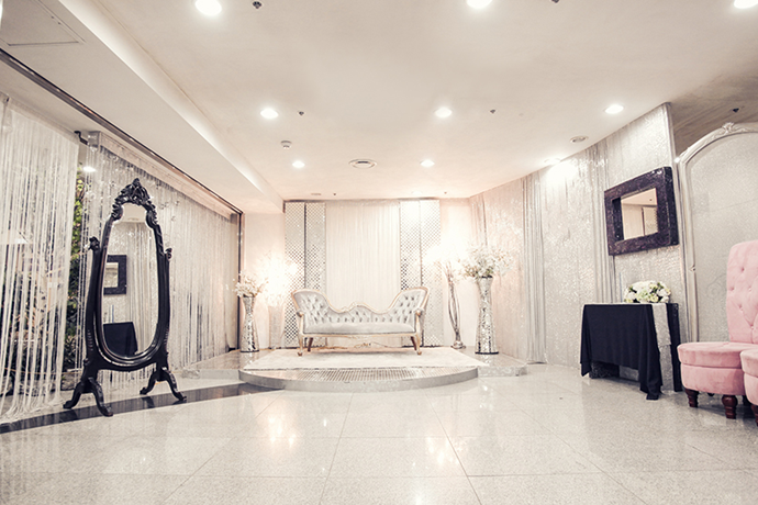 //www.iwedding.co.kr/center/website/ihall_img/1266826083/1266826083_img_359_3_1433412382.png