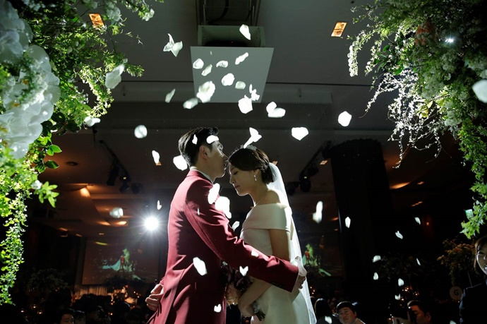 //www.iwedding.co.kr/center/website/ihall_img/1321490854/1321490854_img_247_0_1531390561.jpg