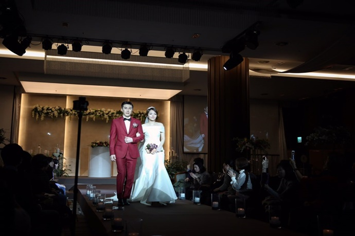 //www.iwedding.co.kr/center/website/ihall_img/1321490854/1321490854_img_247_1_1531390561.jpg