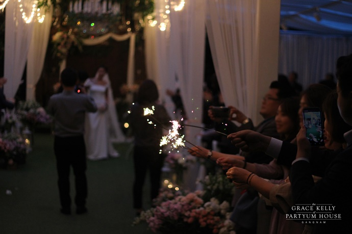 http://www.iwedding.co.kr/center/website/ihall_img/1365555583/1365555583_img_2602_1_1541999478.jpg