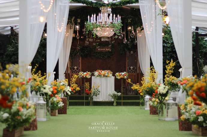 http://www.iwedding.co.kr/center/website/ihall_img/1365555583/1365555583_img_2602_4_1524727336.jpg