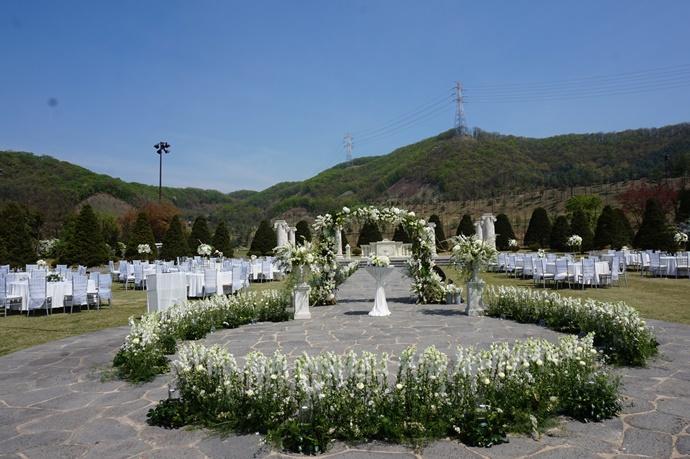 http://www.iwedding.co.kr/center/website/ihall_img/1373598824/1373598824_img_2522_3_1499245986.jpg