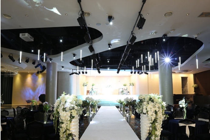 //www.iwedding.co.kr/center/website/ihall_img/1383548725/1383548725_img_2782_0_1458278709.jpg