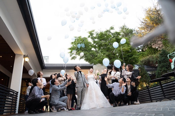 https://www.iwedding.co.kr/center/website/ihall_img/1390870542/1390870542_img_1_1_1564466707.jpg