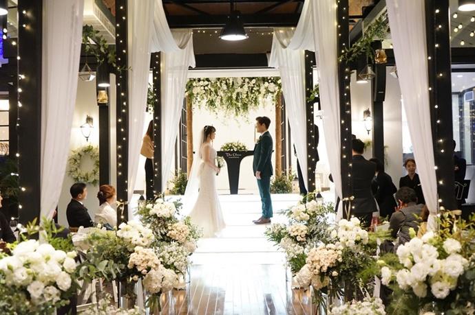 https://www.iwedding.co.kr/center/website/ihall_img/1390870542/1390870542_img_1_23_1564466707.jpg