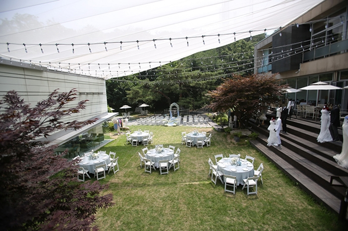 //www.iwedding.co.kr/center/website/ihall_img/1404810649/1404810649_img_1129_3_1431338900.jpg