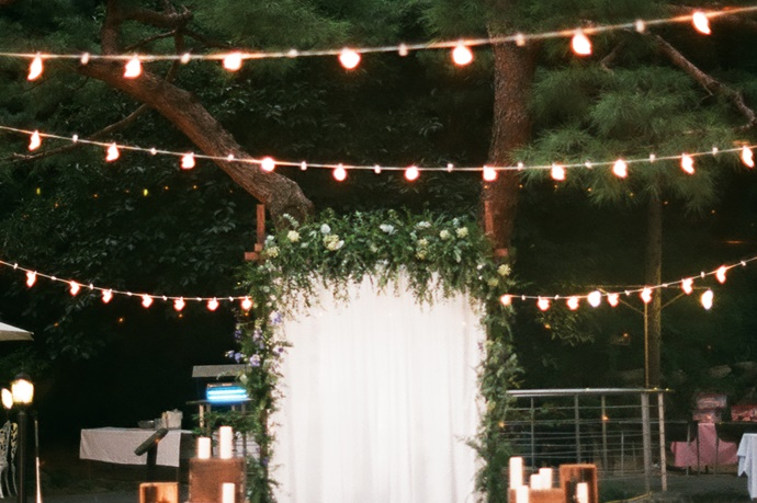 //www.iwedding.co.kr/center/website/ihall_img/1404810649/1404810649_img_1129_4_1517302441.jpg