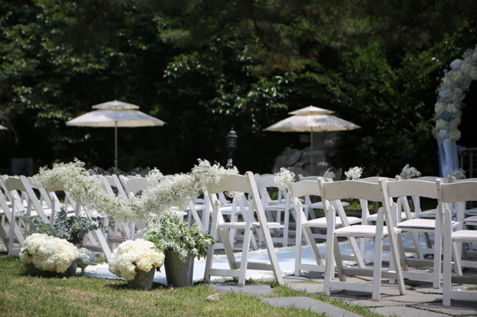 //www.iwedding.co.kr/center/website/ihall_img/1404810649/1404810649_img_1129_5_1431338900.jpg