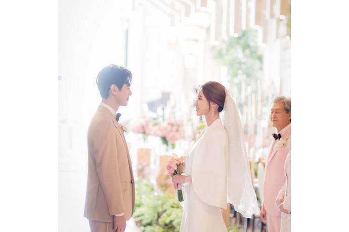 http://www.iwedding.co.kr/center/website/ihall_img/1543287981/1543287981_img_5108_1_1569567636.jpg