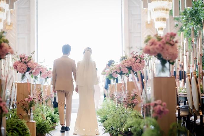 https://www.iwedding.co.kr/center/website/ihall_img/1543287981/1543287981_img_5108_3_1569567636.jpg