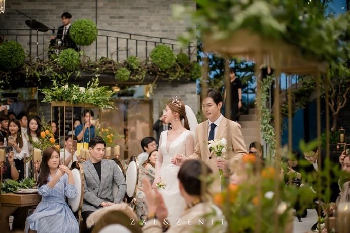 http://www.iwedding.co.kr/center/website/ihall_img/1543287981/1543287981_img_5109_2_1569311106.jpg