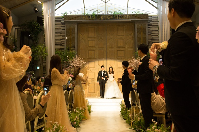 //www.iwedding.co.kr/center/website/ihall_img/1547801096/1547801096_img_5148_7_1557393517.jpg